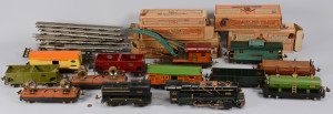 Lot 464: Large Lionel O Gauge Train Set, 13 total