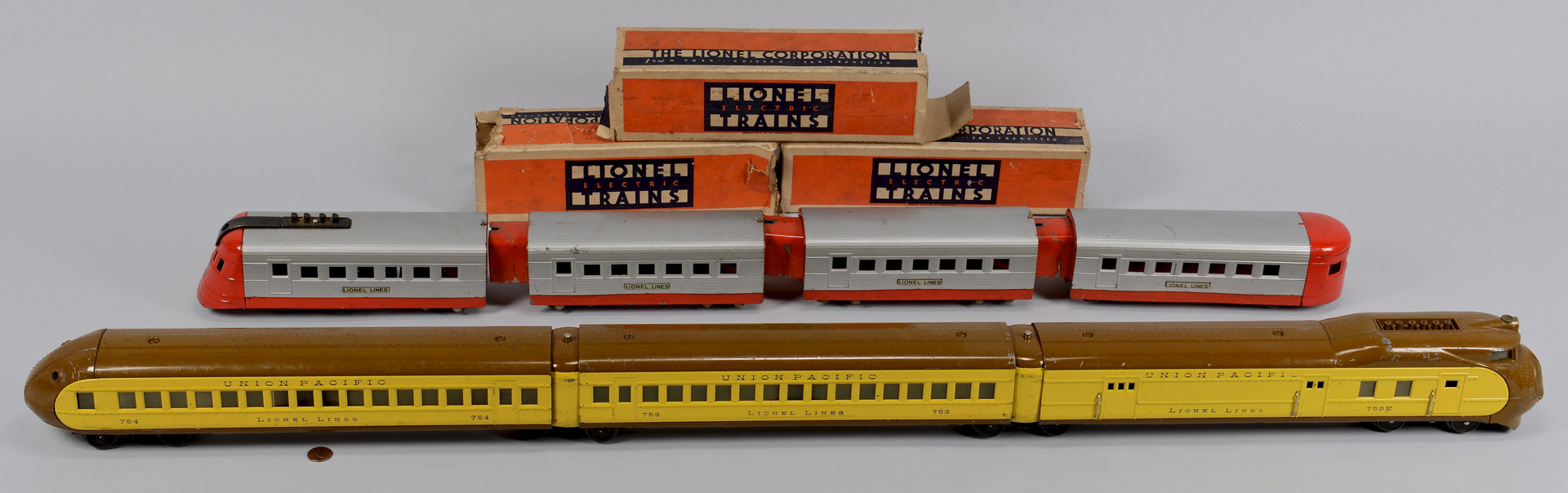 Lot 468: Lionel Union Pacific & Streamline Diesel Trains