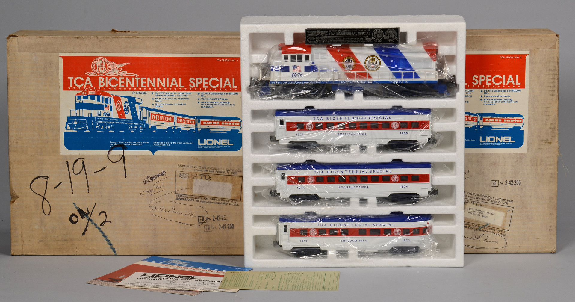 Lot 471: Lionel Boxed Grouping of Trains, O gauge