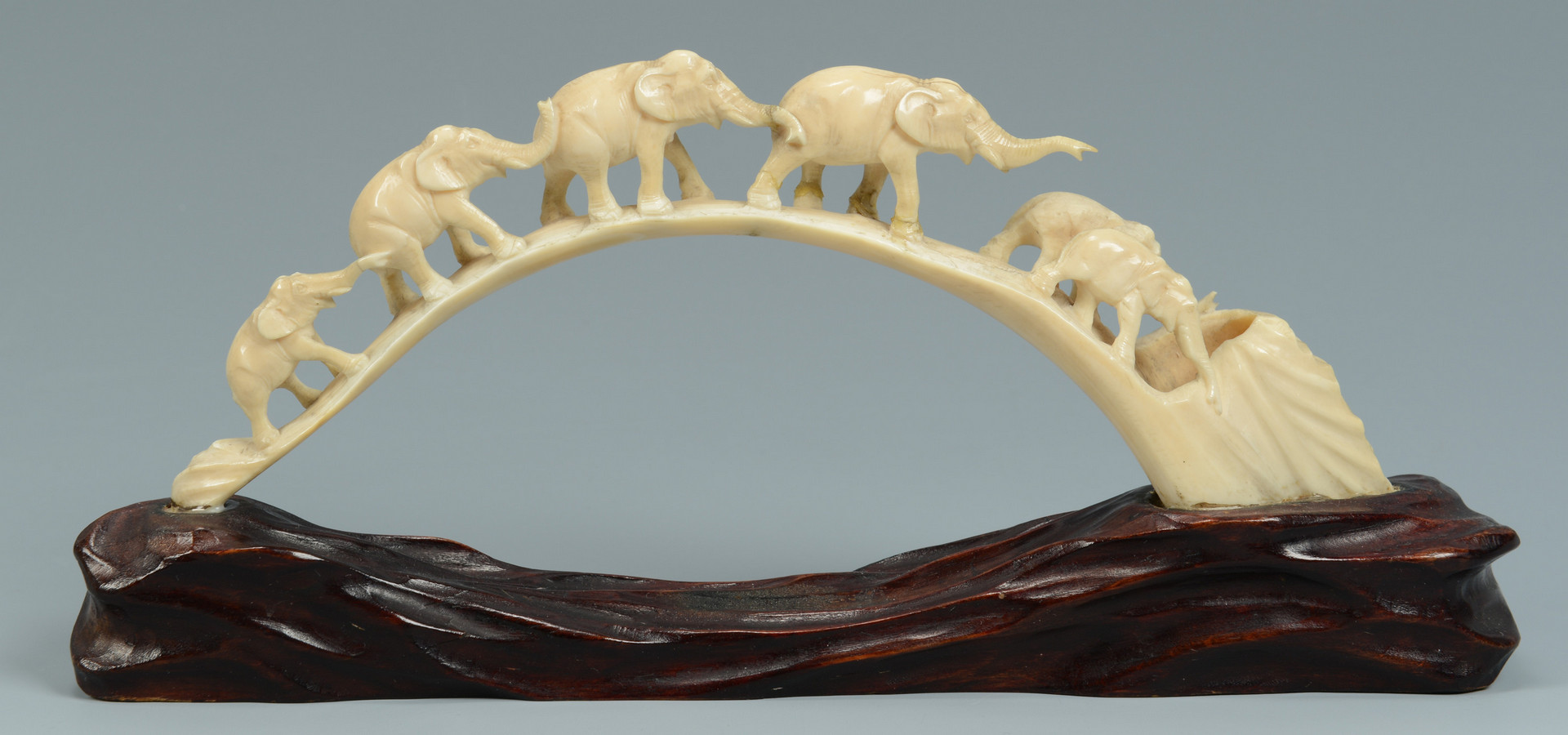 Lot 578: Group of 5 Asian Collectibles