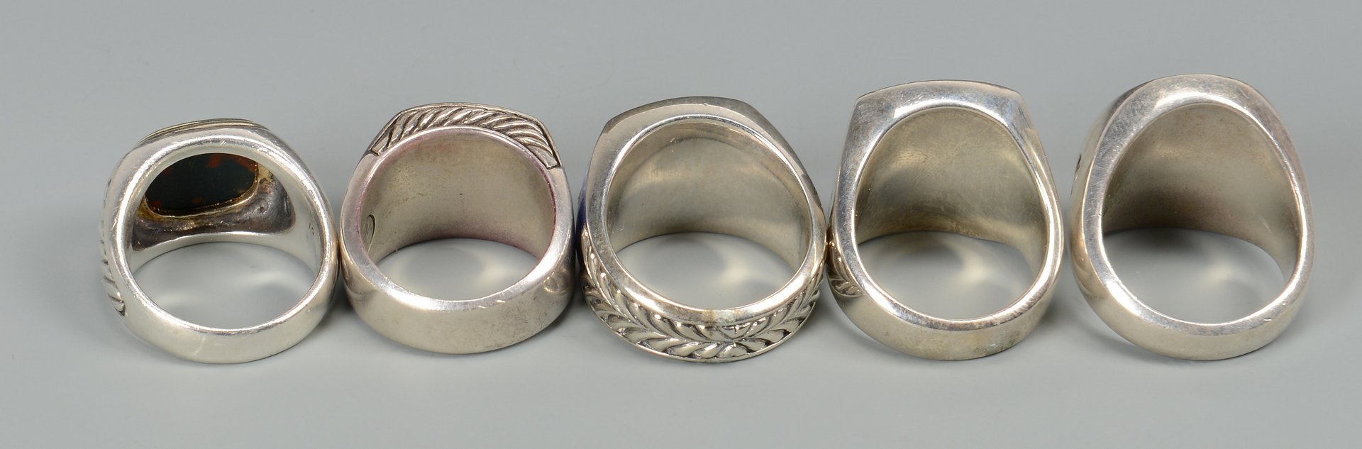 Lot 579: 5 David Yurman Signet Rings w/ stones