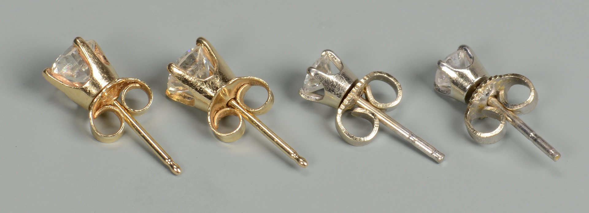 Lot 583: 2 Prs. Diamond Stud Earrings
