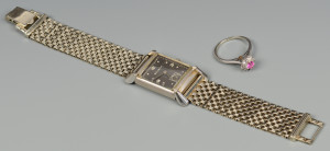 Lot 586: 14k Bulova watch, 14k dia ring