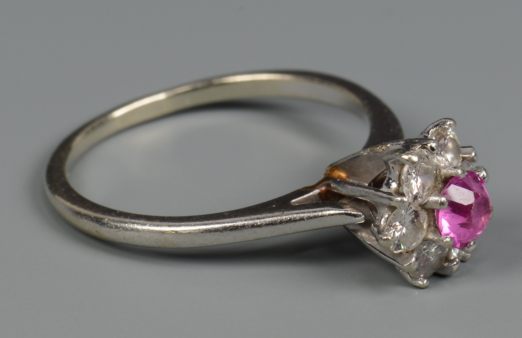 Lot 586: 14k Bulova watch, 14k dia ring