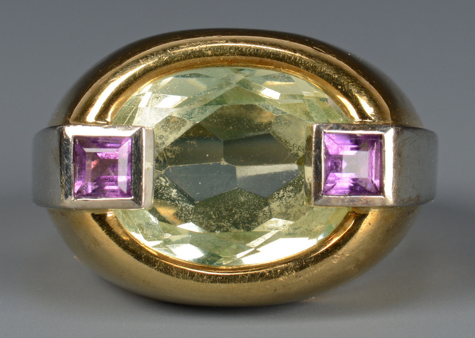 Lot 592: 18k Green Quartz Amethyst Fashion Ring