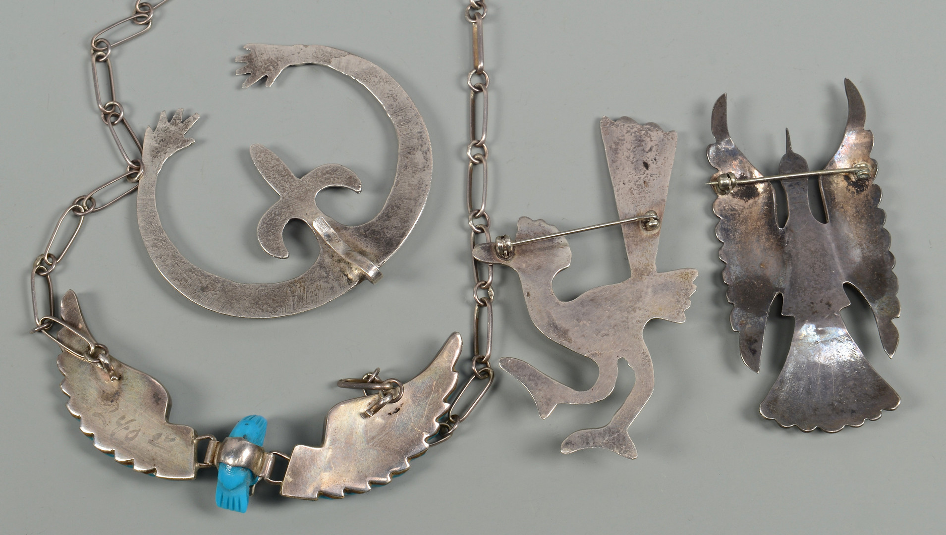 Lot 595: 8 Native American Jewelry Items