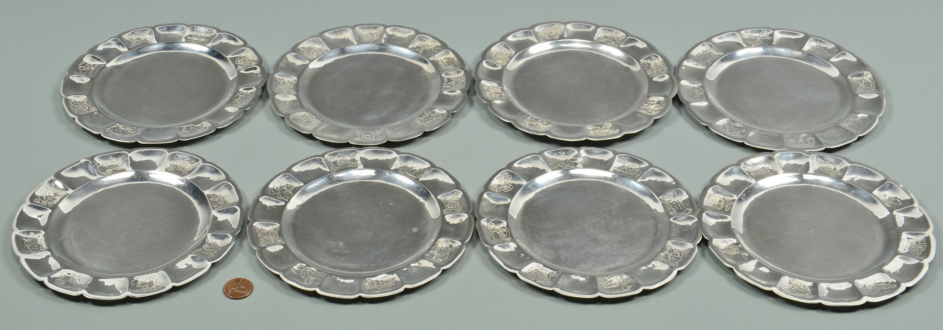 Lot 603: 8 Sanborns Mexican Sterling Bread Plates