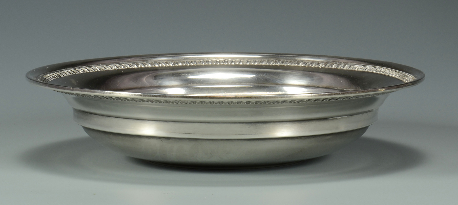 Lot 611: 3 Sterling Silver Serving Items