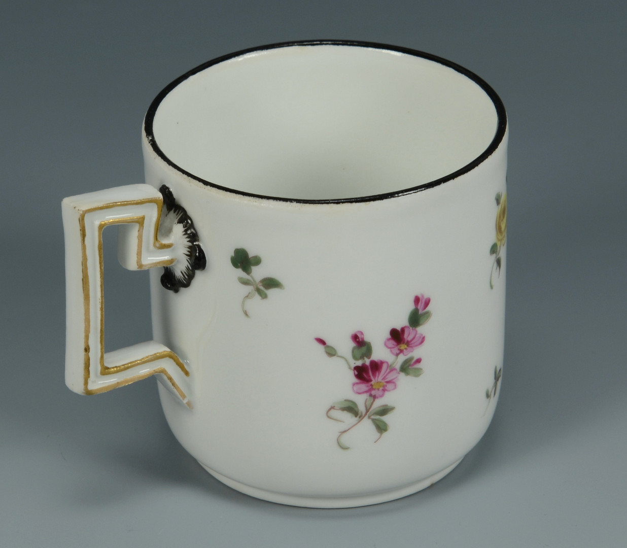 Lot 616: 5 Pieces Continental Porcelain