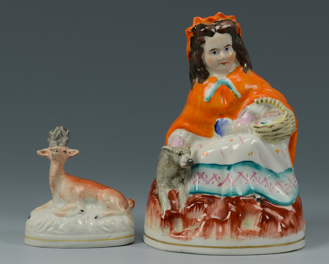 Lot 621: Group of Stafforshire Pottery, 4 pcs.