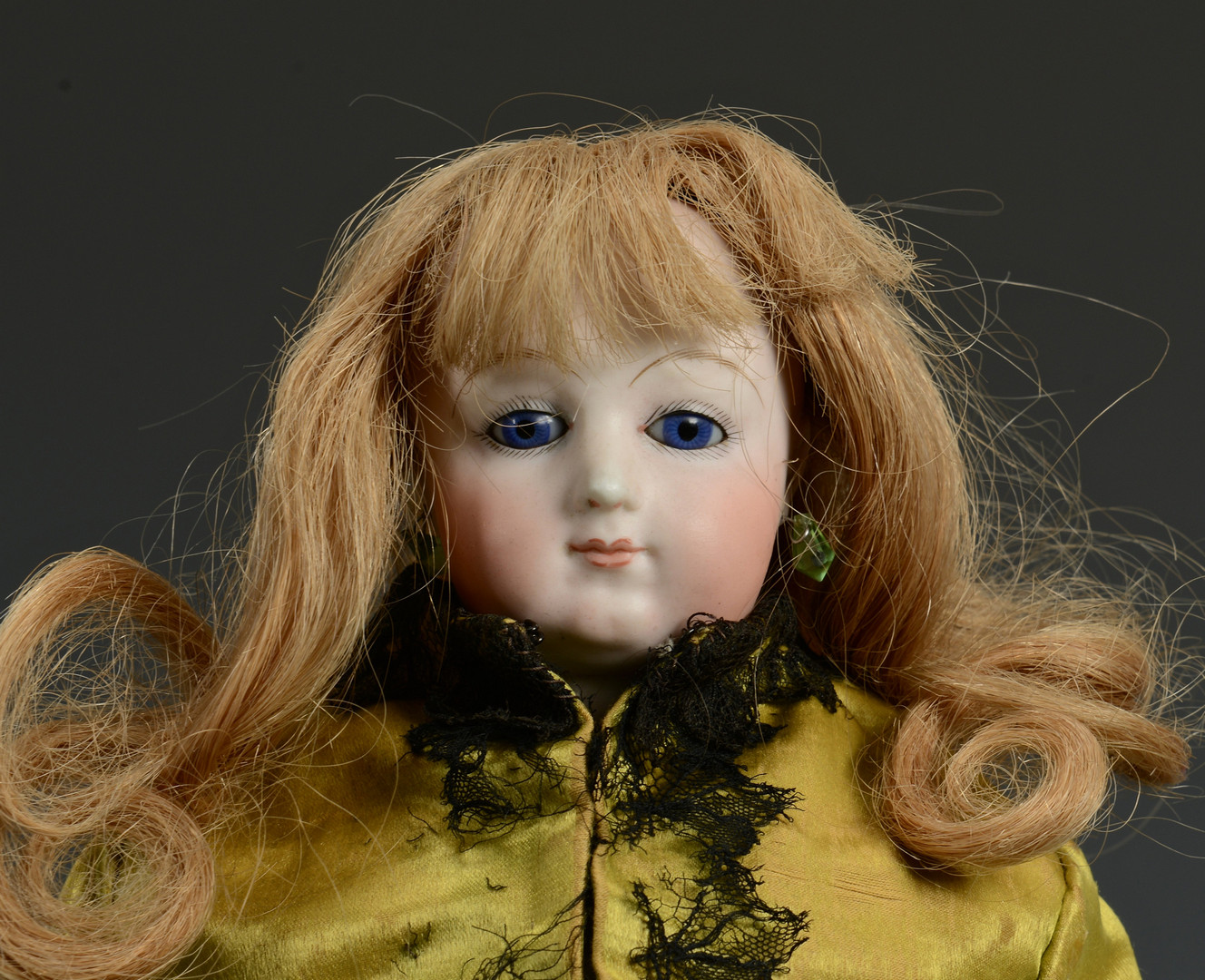 Lot 631: French Fashion Doll, poss. Bru