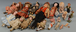 Lot 634: 20 Various Vintage Dolls