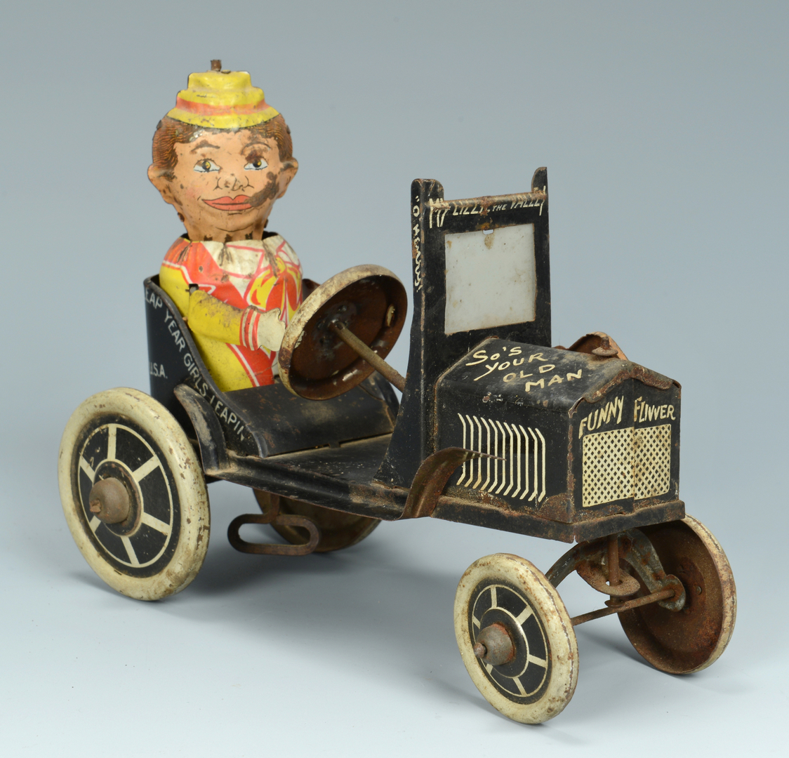 Lot 640: 2 Mechanical Car Toys