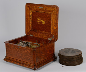 "Lot 645: Mira Disc Music Box, 9 1/2"" discs"