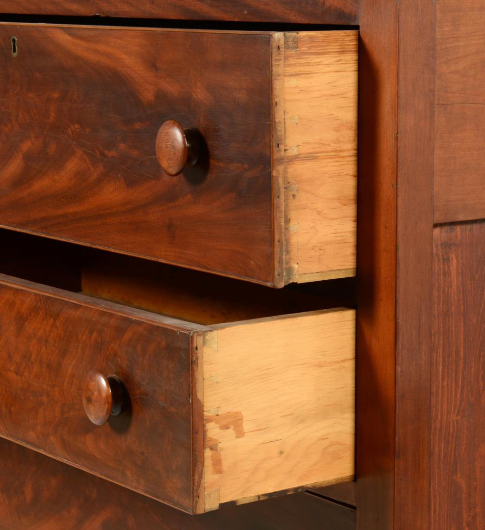 Lot 710: 4-Drawer Sheraton Chest