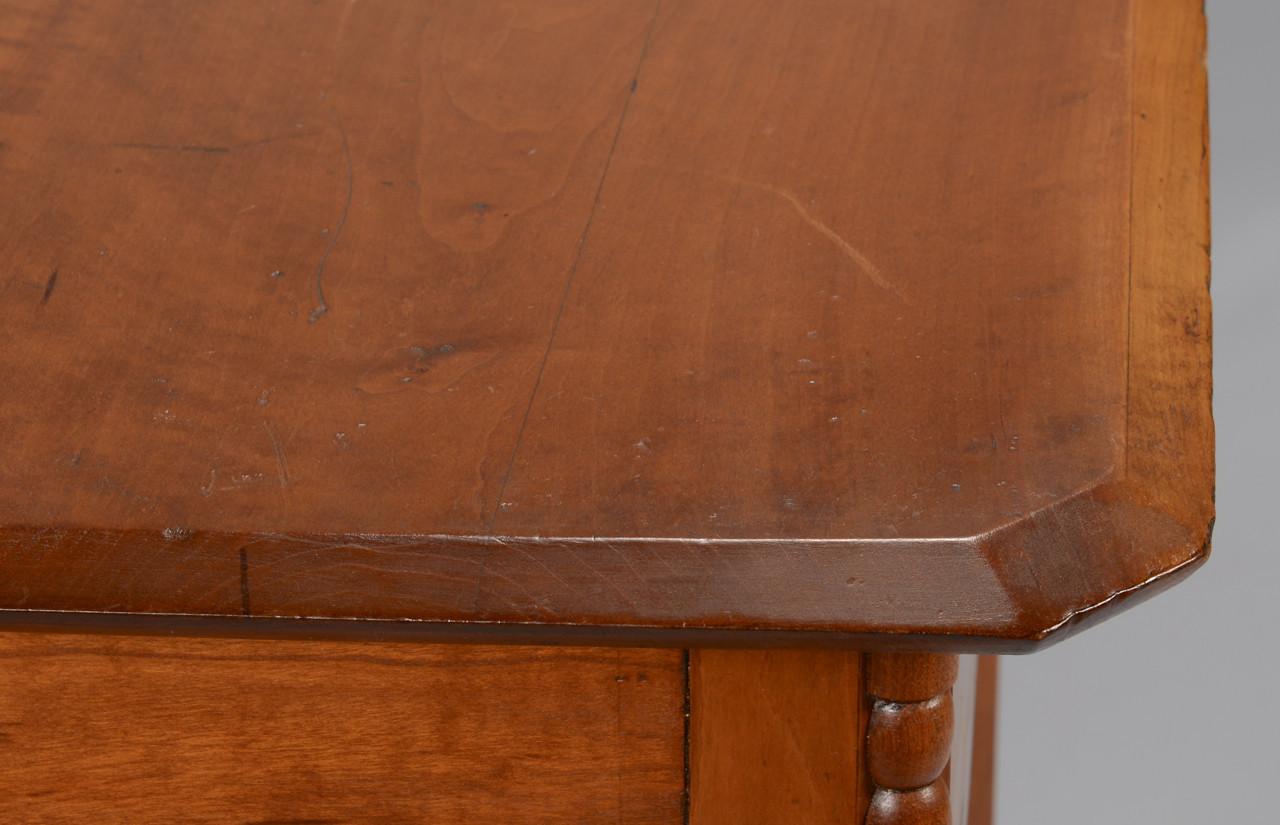 Lot 714: Sheraton One Drawer Work Table