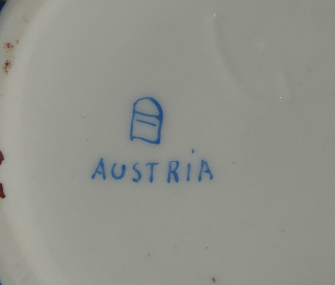 Lot 767: Porcelain Ewer and Plate