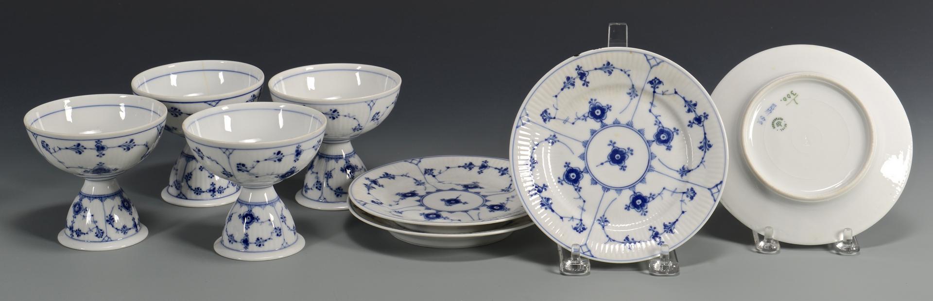 Lot 768: 16 pcs. porcelain inc. Royal Copenhagen sherbets