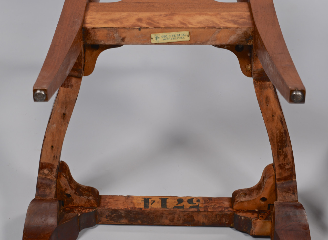 Lot 774: 4 Chairs: Queen Anne, Chippendale and Louis XV Sty