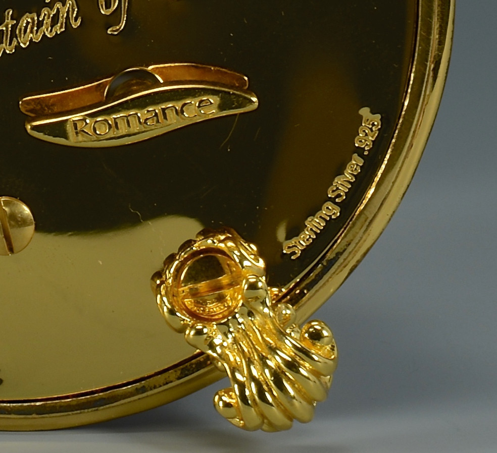 Lot 795: Franklin Mint Faberge Egg