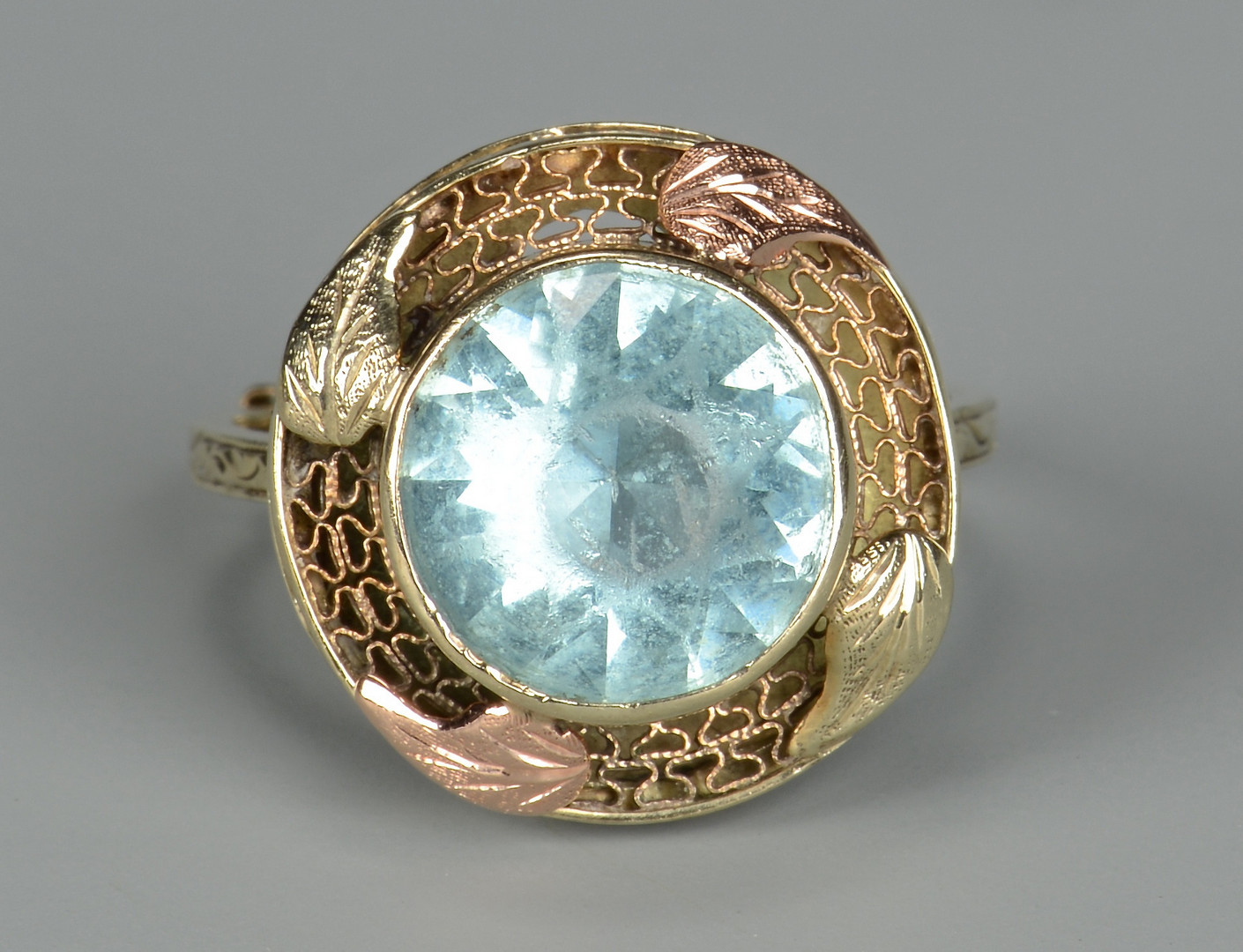 Lot 804: Vintage 14K Aquamarine Ring