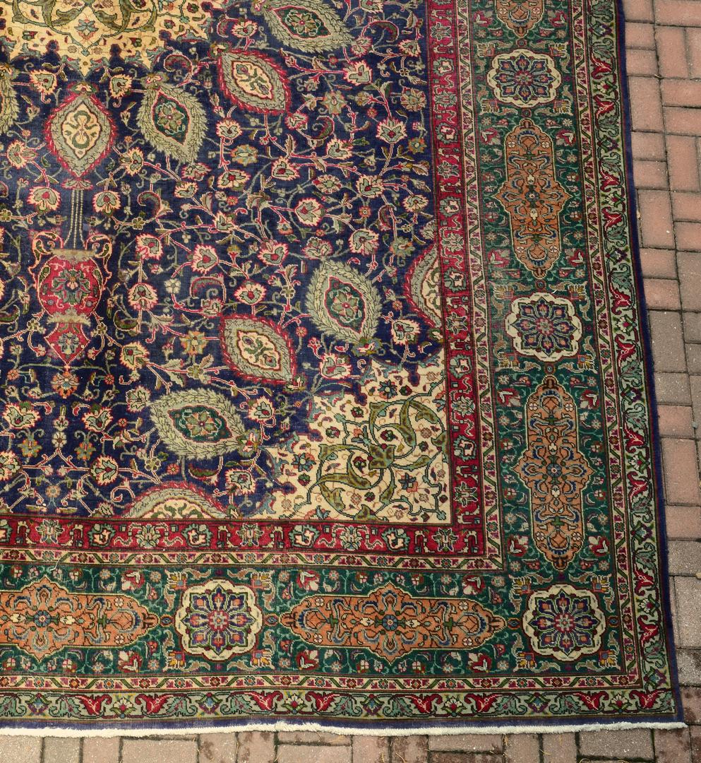 Lot 834: Persian Tabriz Carpet, 11 x 16