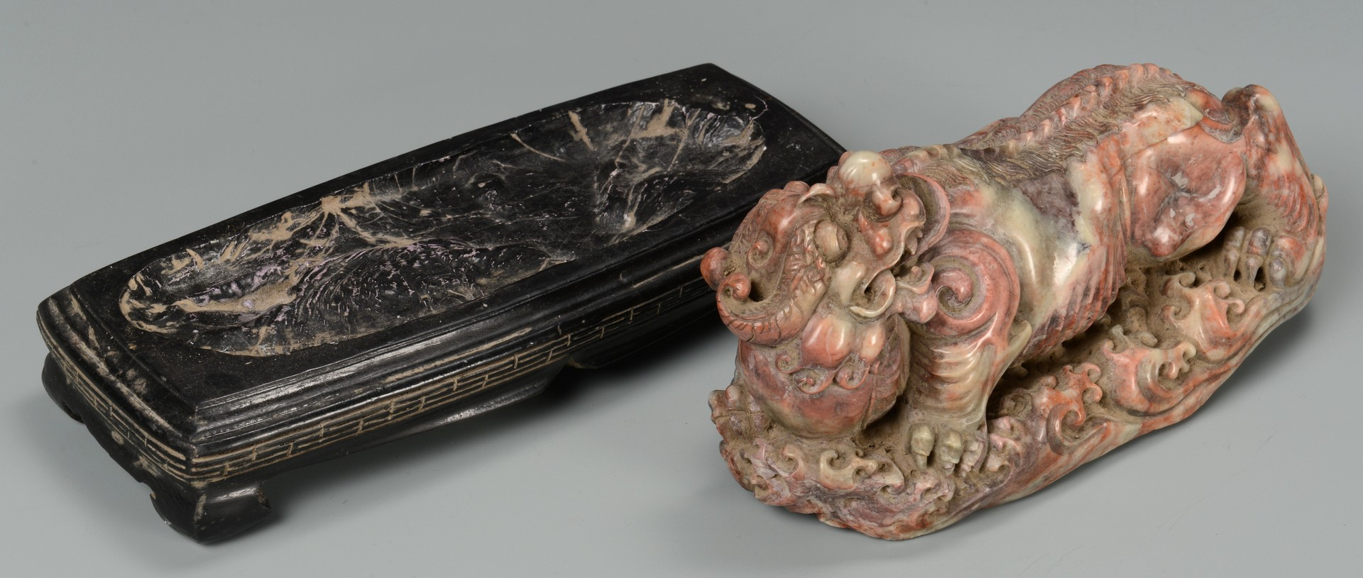 Lot 3594183: 3 Carved Chinese Hardstone Items