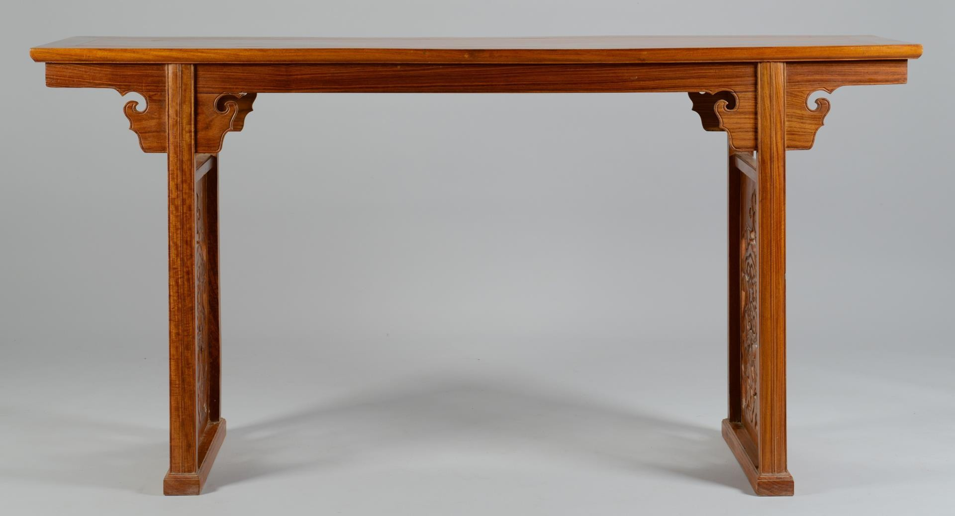 Lot 3594215: Chinese Altar Table