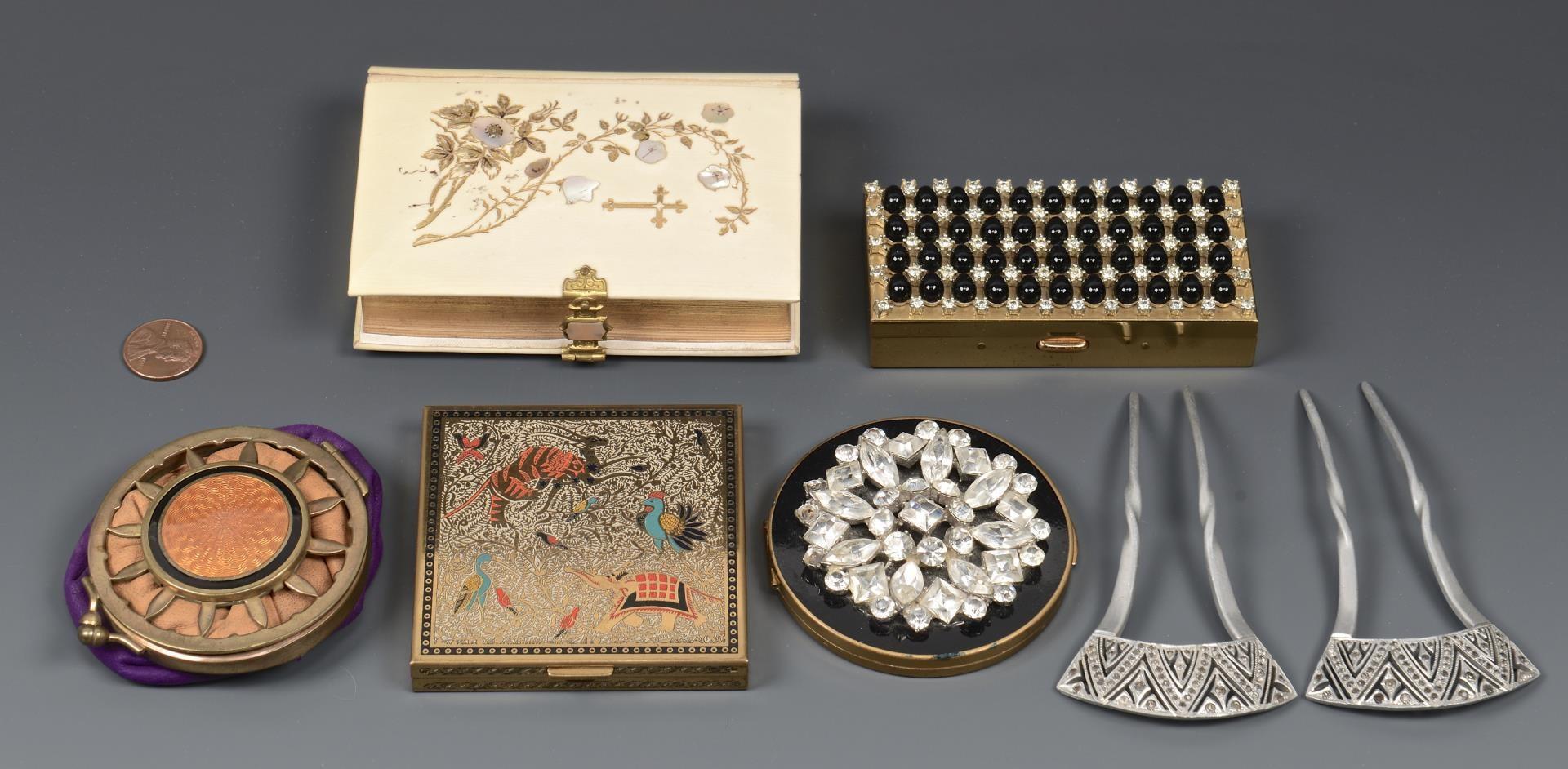 Lot 3594268: 7 Vintage Fashion Items