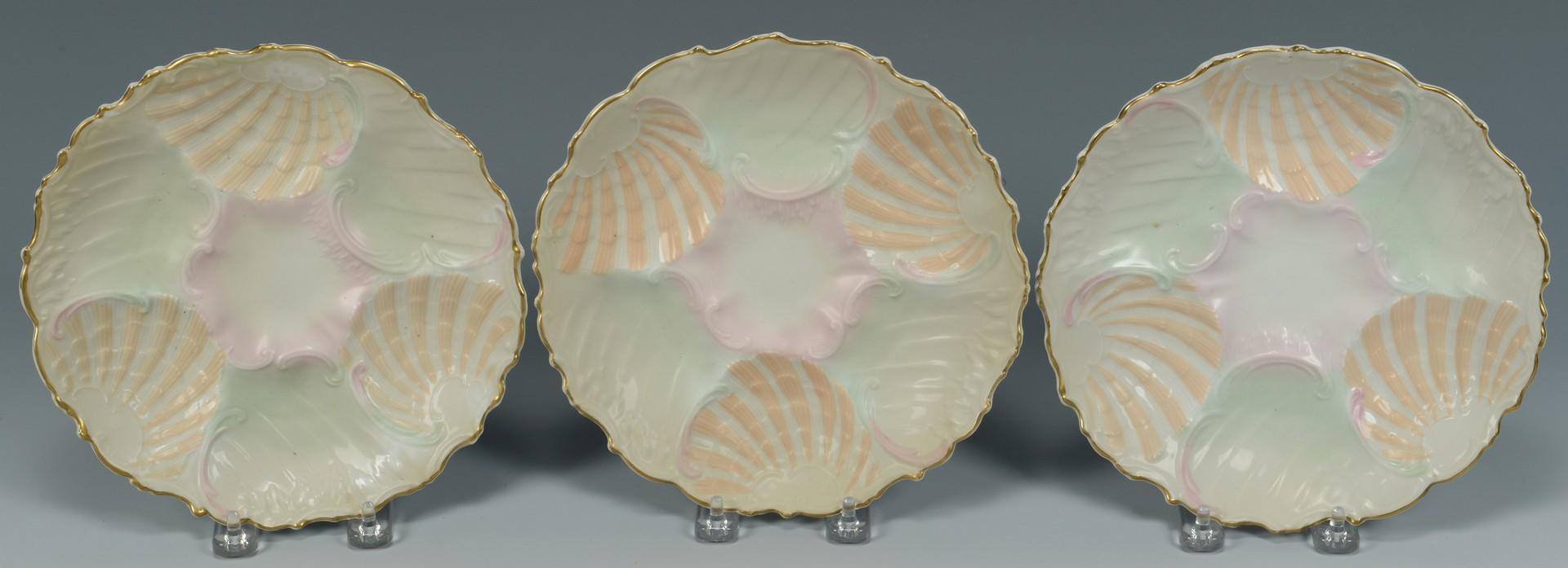 Lot 3594286: 12 Oyster Plates (11 plus 1)