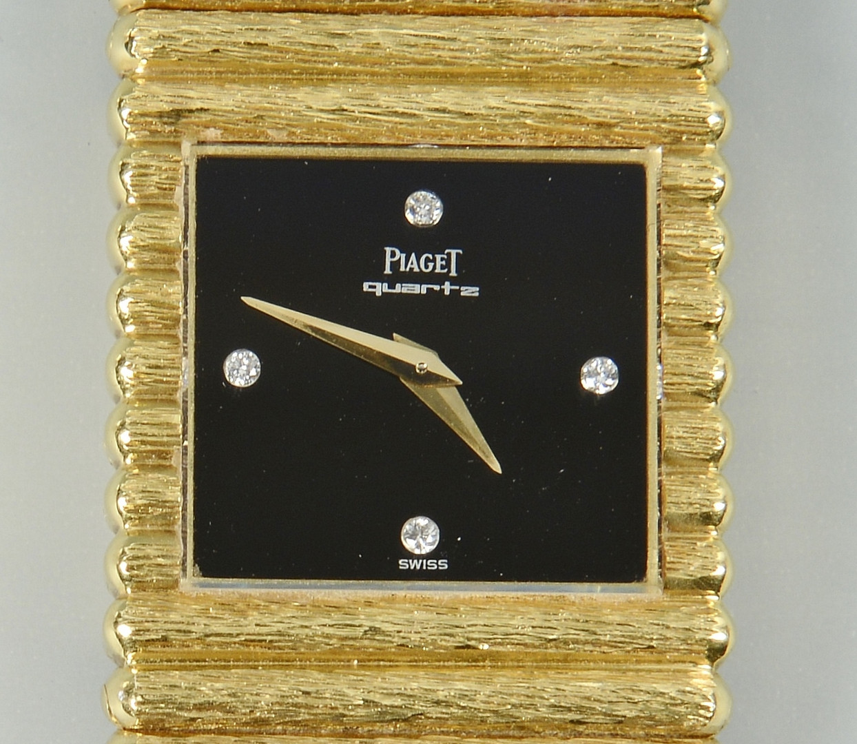 Lot 110: Men's 18k Gold Piaget Watch