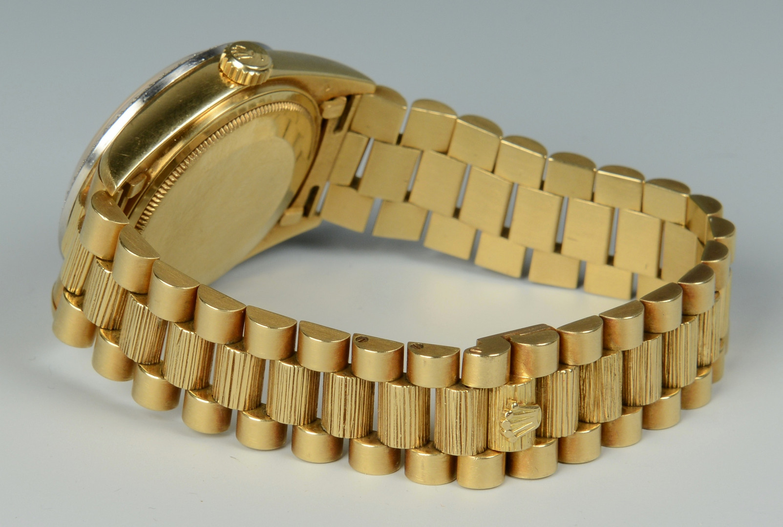 Lot 111: Men's 18K Rolex Oyster Perpetual Wristwatch