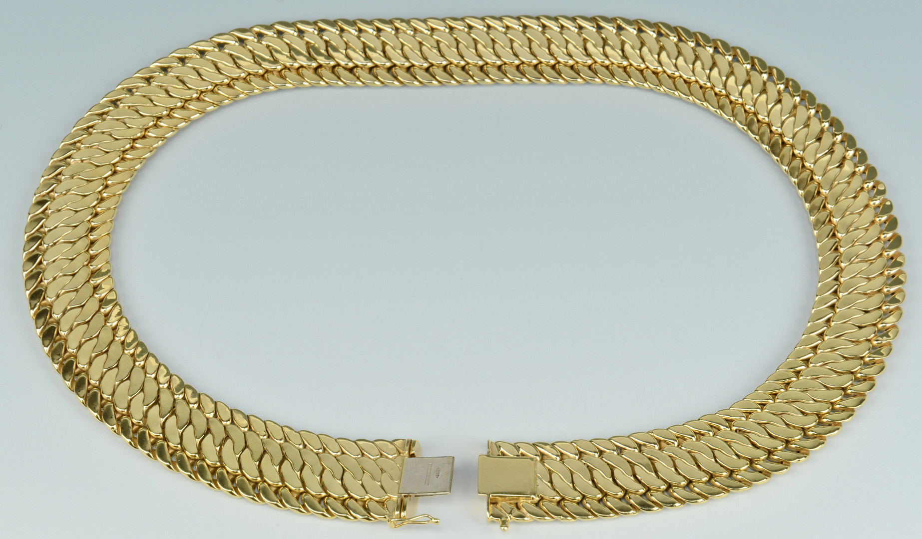 Lot 255: 14k Gold Necklace 88.6 grs Italian made