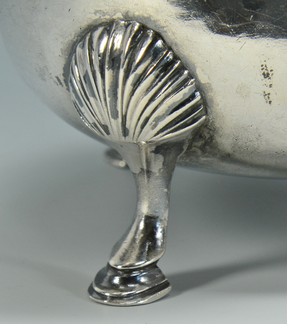 Lot 274: Pair 18th c. NY/Fueter Silver Sauceboats