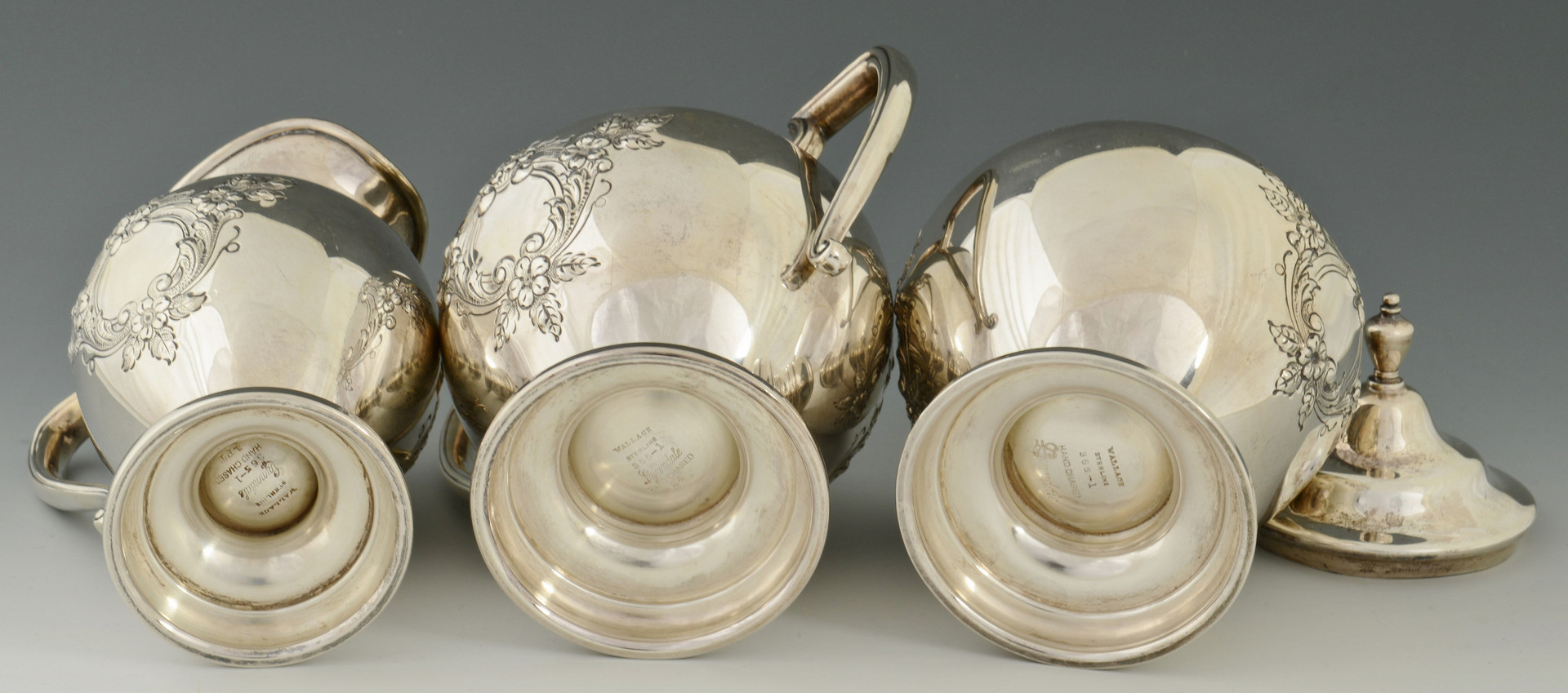 Lot 278: Wallace Lynndale Sterling Tea Service