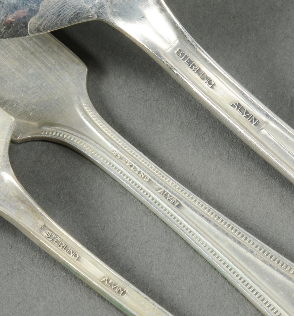 Lot 281: Alvin sterling flatware, Richmond pattern, 96 pcs