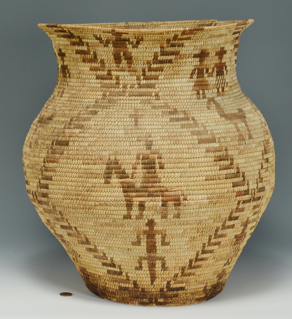 Lot 335: Large Apache Olla Basket, Figural decoration