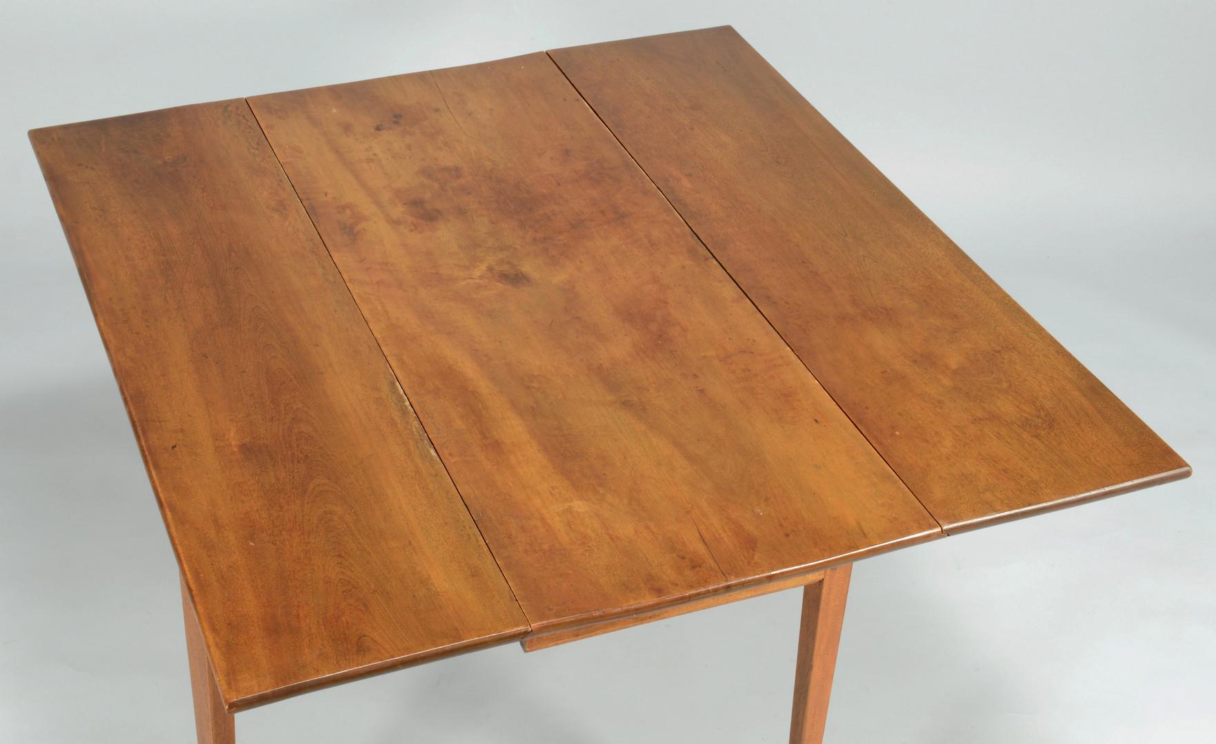 Lot 383: Hepplewhite Dropleaf Table