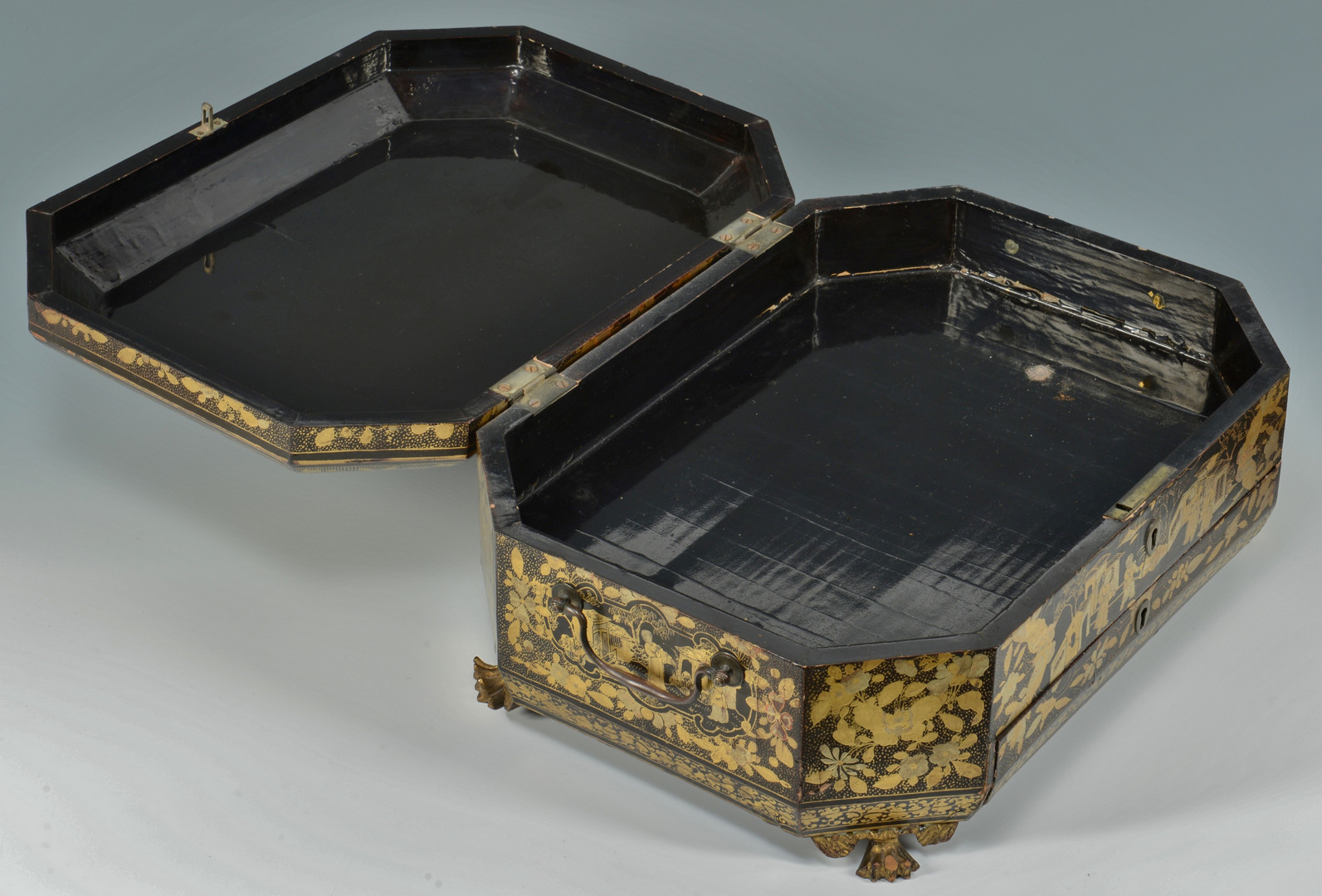 Lot 473: Gilt Lacquer Chinoiserie Sewing Box with Contents