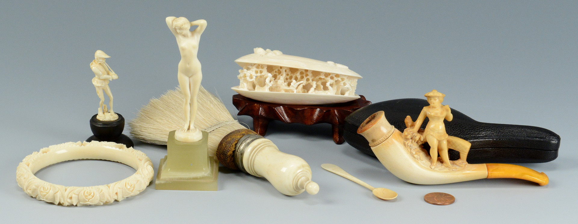 Lot 488: Assd. miniature items inc. ivory