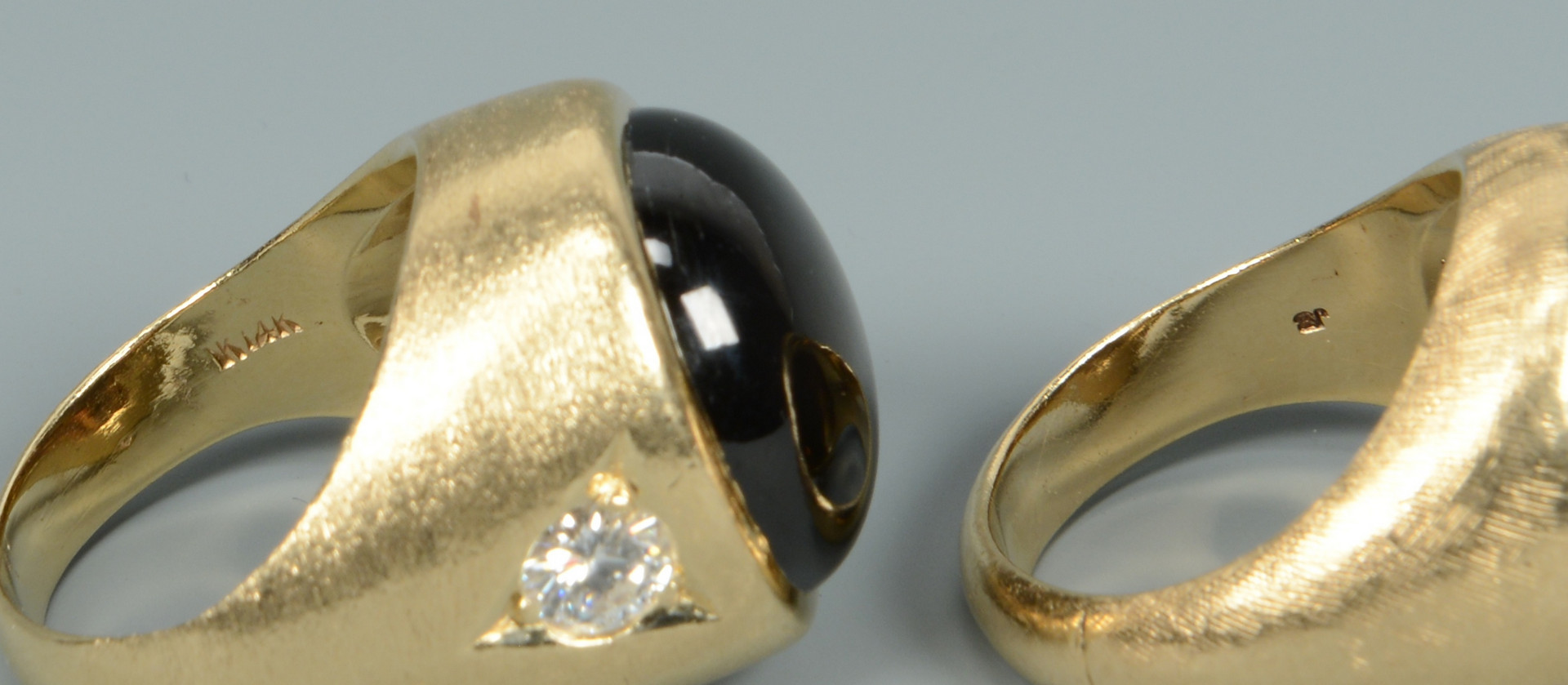 Lot 496: 2 Gents 14k Black Star Sapphire Rings