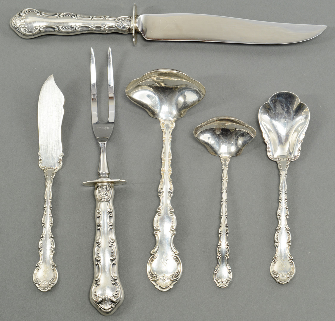 Lot 515: 87 pcs Flatware, most Gorham Strasbourg