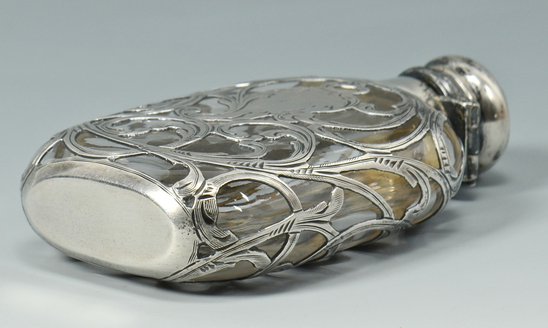 Lot 516: Reed & Barton Florentine Lace Sterling Flatware