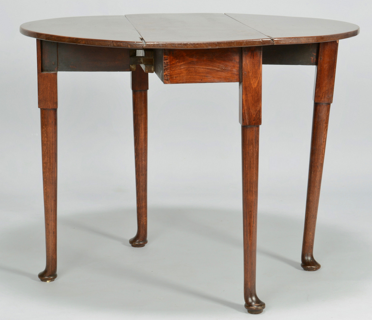 Lot 538: Queen Anne Dropleaf Table