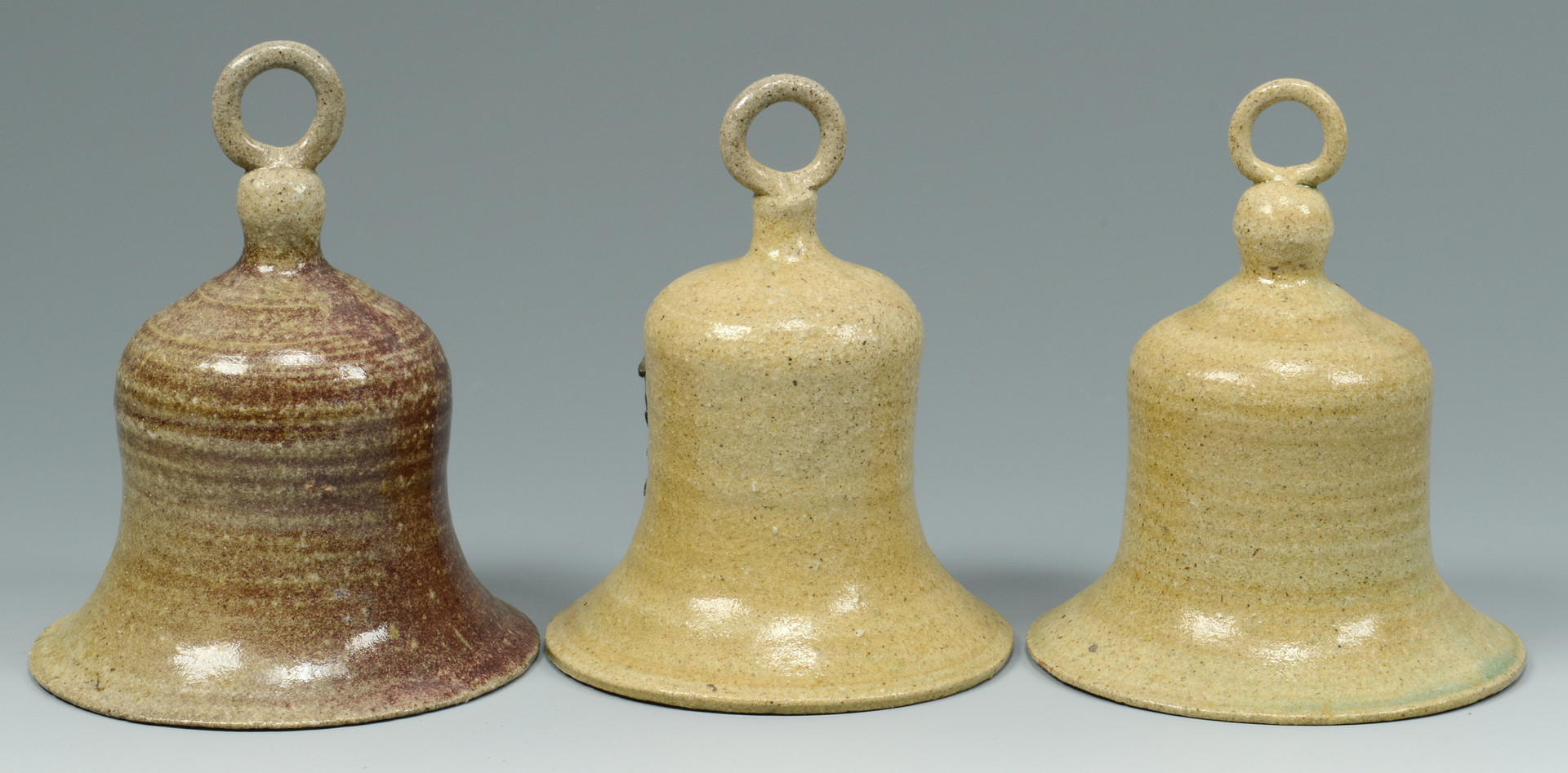 Lot 564: Group of Anita Meaders Pottery, 8 pcs.