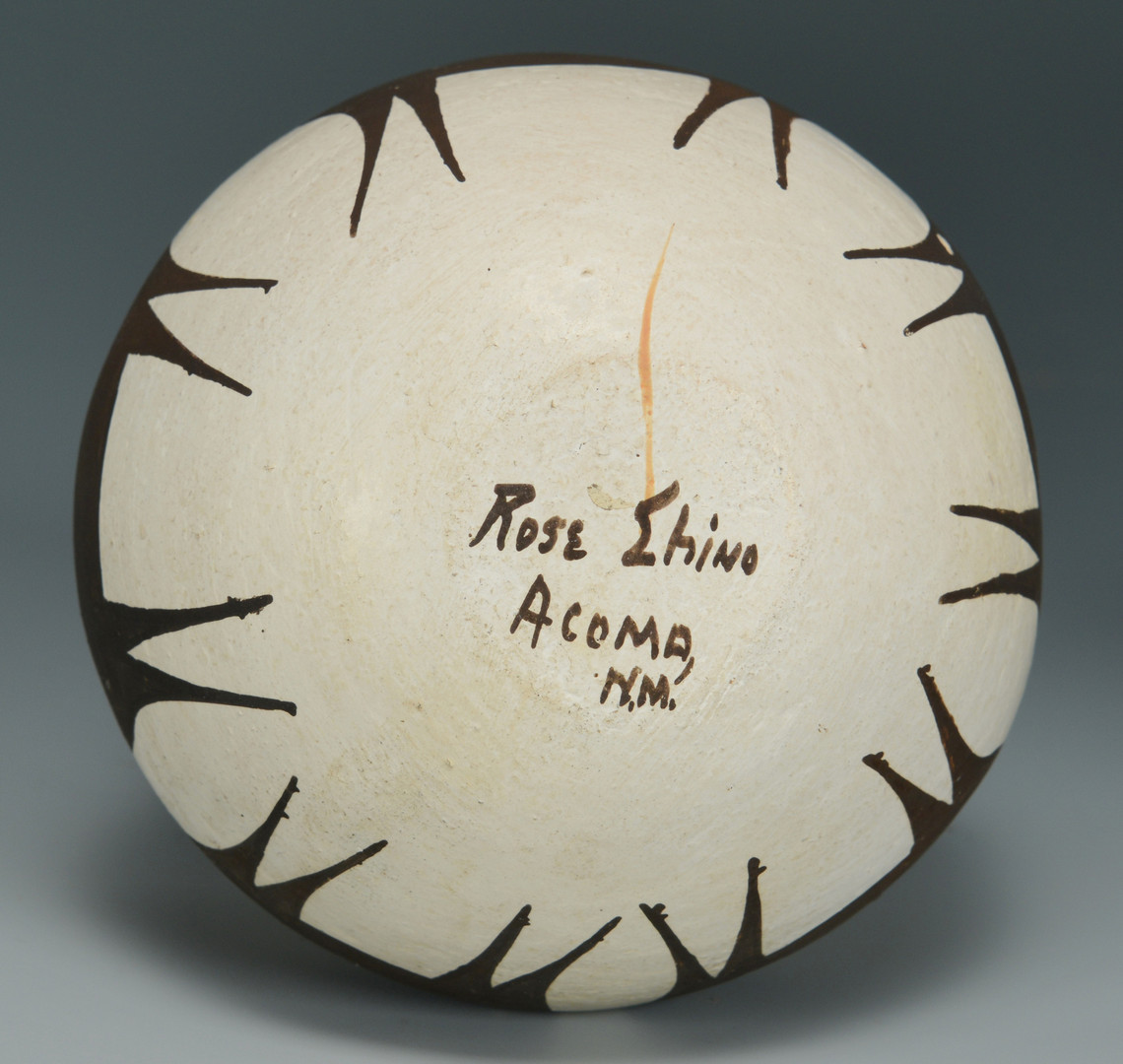Lot 615: 5 Pueblo Pottery Items
