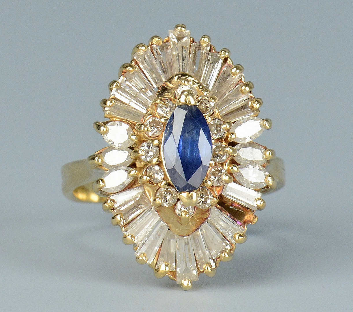 Lot 677: 14k Sapphire Diamond Ring