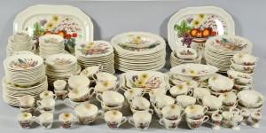 Lot 698: 265 pc. Copeland Spode Reynolds Dinnerware