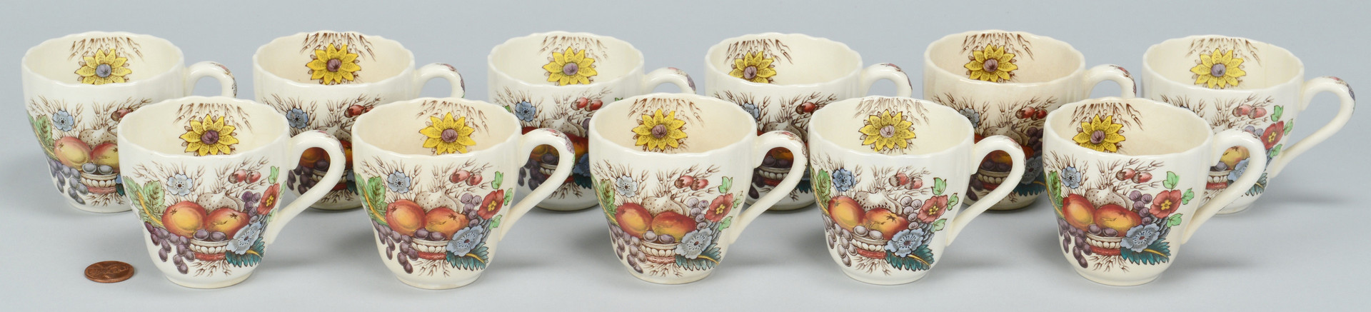 Lot 698: 265 pc. Copeland Spode Reynolds Dinnerware