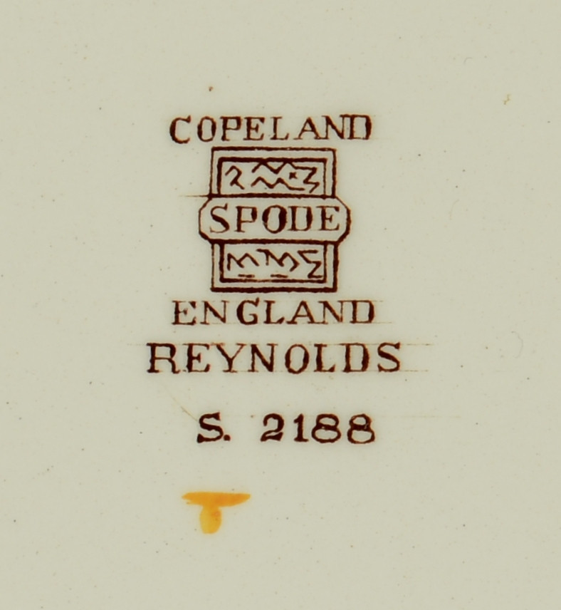 Lot 699: Copeland Spode Reynolds Serving Pieces